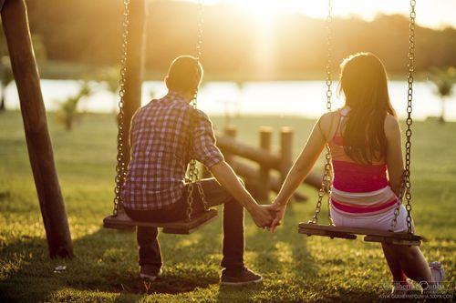 swings couple